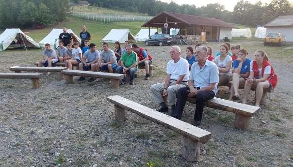 Omladinci Crvenog krsta u Tovladiću