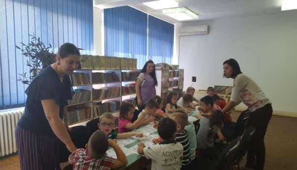 Mališani iz vrtića posjetili biblioteku
