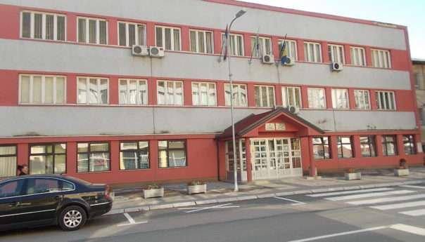 Izmirene obaveze prema preduzeću Momić d.o.o