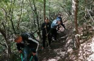 Волонтери уредили стазе на Рујици