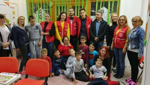 """Volonteri posjetili djecu u """"Kući radosti"""""""