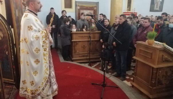 Služena božićna liturgija