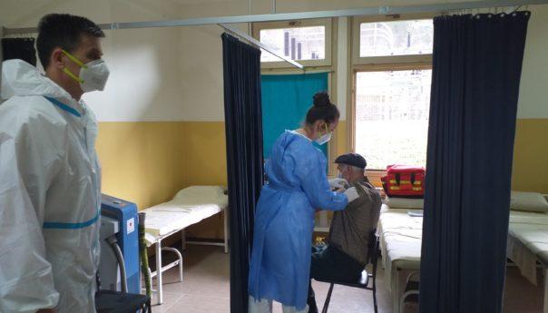 Kotorvaroški penzioneri pohvalili radnike Doma zdravlja