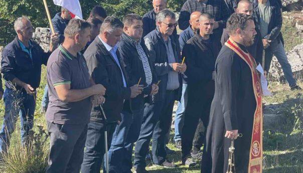 Služen parastos za Srbe ubijene na Meokrnju